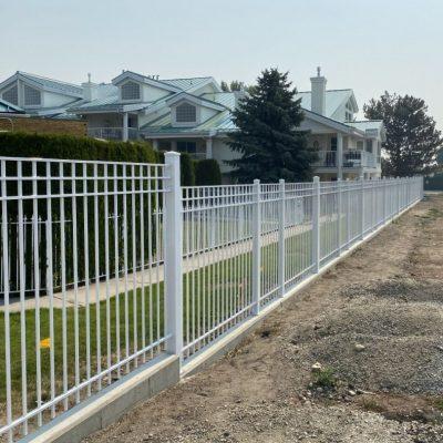 Aluminum railing fence in Kelowna, BC